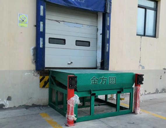 潍坊固定登车桥(无月台)
